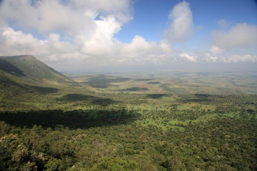 lanscape-of-the-great-rift-valley-in-kenya-africa-1600x1066