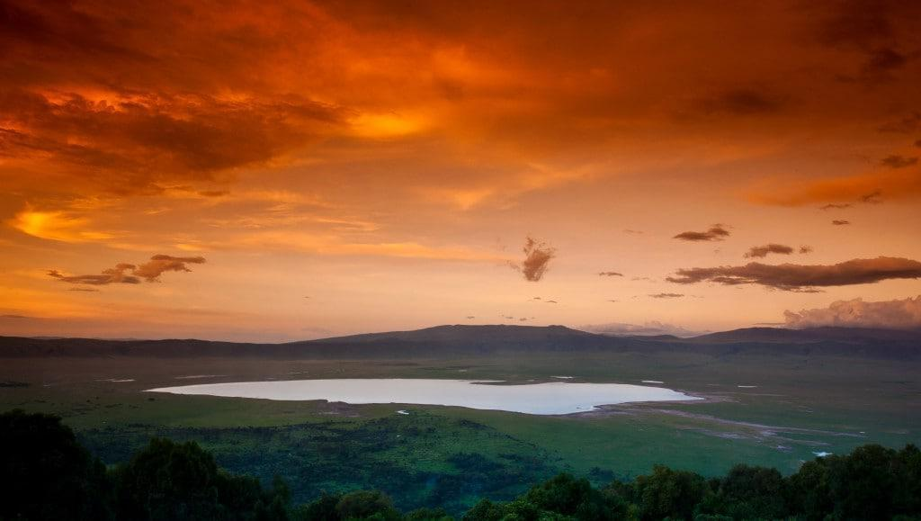 Pal Teravagimov sunset ngorongoro crater